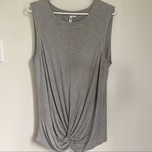 Cable & Gauge twist front muscle tee top
